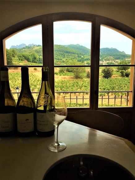 Dégustation de vin avec vue sur Gigondas et les Dentelles de Montmirail