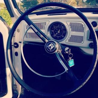 Prenez le volant de la coccinnelle cabriolet vintage